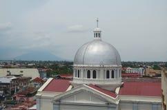 Katolsk kyrka i San Fernando, Filippinerna royaltyfria bilder