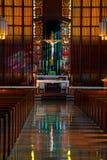 katolsk kyrka inom royaltyfri bild