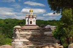 Katolsk kyrka och ortodox kyrka Arkivbild