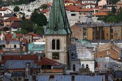 Katolska kyrkan av Sarajevo sken royaltyfri foto