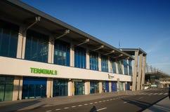 Katowice flygplatsfolkhop - terminal B Royaltyfria Bilder