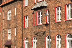 Katowice, Nikiszowiec, bâtiments traditionnels et vieux du secteur d'extraction de la Silésie Image libre de droits