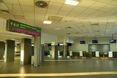 Katowicki lotnisko - wewnętrzny sprawdzać pusty Zdjęcie Stock