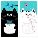 Kattenkalender 2017 Leuk grappig beeldverhaalkarakter - reeks De lentezomermaand van mei Juni Fotocamera, vogel, tak, roze vlinde Stock Foto's