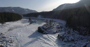 Katun河在冬天 河解冻 影视素材