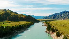 Katun-Fluss in der Altai-Republik stock footage