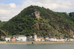 Katz castle above st. goarshausen Royalty Free Stock Images