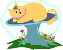 Katze auf einem Pilz mit Gleiskettenfahrzeug Lizenzfreies Stockfoto