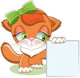 Katze, die ein leeres Blatt Papier hält Stockbilder
