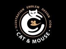 Katzen- und Mäusefangillustration Lizenzfreie Stockfotos