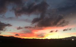 Kauai-Sonnenuntergang lizenzfreie stockbilder