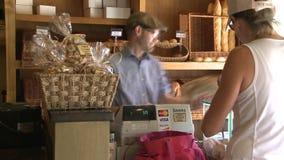 Kauf des Lebensmittels (4 von 4) stock video