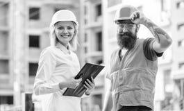 Kauf von Baumaterialien Baugewerbe Vorarbeiter hergestellte Versorgung Baumaterialien Experte und stockfotografie