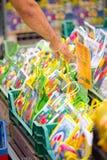 Kaufen Sie Tulpenbirnen in Bloemenmarkt, Amsterdam Lizenzfreie Stockfotografie