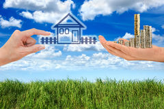 Kaufendes neues Haus Lizenzfreies Stockfoto