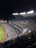 Kauffman Stadium während eines Nachtspiels Lizenzfreies Stockbild