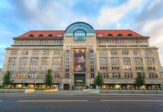 Kaufhaus des Westens lub Kadewe wydziałowy sklep, Berlin, Niemcy obraz stock