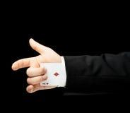Kaukasische männliche Hand in einem Anzug lokalisiert Stockbild