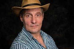 Kaukasischer älterer Mann von 60 Jahren Stockfotos