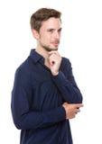 Kaukasischer Mann denken an Idee Lizenzfreie Stockfotos