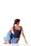 Kaukasisches Mädchen, welches die Yogahaltungen getrennt auf Weiß tut Lizenzfreies Stockfoto