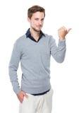 Kaukaski mężczyzna z kciukiem up Obrazy Stock