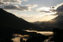 Kaukaskie góry, Sochi są czerwonym łąką obrazy stock