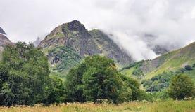 Kaukasus berg Arkivfoto