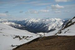 Kaukasus berg, Fischt-oshtensky passerande Arkivfoton