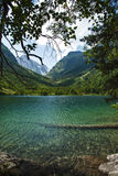 kaukasus Ein See in den Bergen Stockfotografie