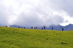 Kaukasus-Gebirgswandern Stockfotos