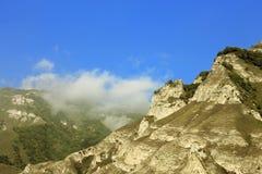 Kaukasussommerzeit. Die Reise der Schlucht Adyl-SU Lizenzfreie Stockfotos