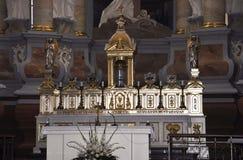 Kaunas agosto 21,2014 - Basillica San Pedro y Paul, interior de Kaunas en Lituania Fotos de archivo libres de regalías