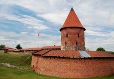 Kaunas, Litauen - 26. Juni 2018: Ansicht von Kaunas-Schloss, das mittelalterliche verstärkte Schloss lizenzfreie stockfotos