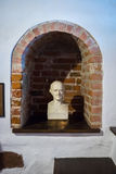 Kaunas, Litouwen - Mei 12, 2017: Beeldhouwwerk van Samuel Hahnemann in Museum van de Geschiedenis van Geneeskunde en Apotheek royalty-vrije stock foto's