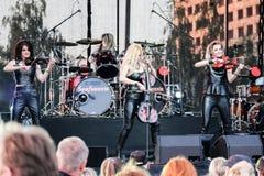 Kaunas, Lituania - 4 de junio de 2016: banda Symphomania de la sympho-roca Fotos de archivo