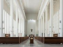 Kaunas, Lituania - 12 de mayo de 2017: Interior de nuestra iglesia de Lord Jesus Christs Resurrection en Kaunas Imágenes de archivo libres de regalías