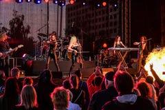 Kaunas, Lituania - 4 giugno 2016: banda Symphomania della sympho-roccia Fotografie Stock