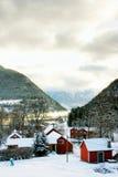Kaupanger村庄在挪威 库存照片
