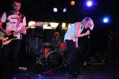 Kauw Lippen (dans pop band) presteert in Apolo royalty-vrije stock foto
