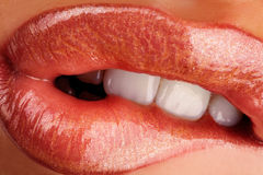 Kauwende lippen Stock Foto's