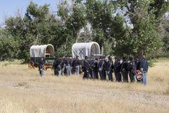 Kavallerister som väntar på strid Arkivbilder