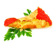 Kaviar-angefüllter Pfannkuchen mit Grüns Lizenzfreies Stockbild