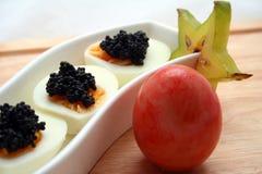 Kaviar auf Eiern Lizenzfreie Stockfotografie