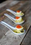 Kaviar auf Eiern einer Wachtel Lizenzfreie Stockbilder
