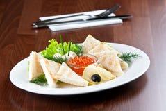 Kaviar mit Toast Lizenzfreie Stockbilder