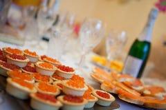Kaviar und Champagner Stockfoto
