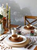 Kaviar und Tischdecke mit Pfannkuchen Lizenzfreie Stockfotos