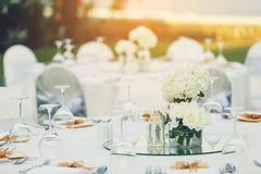 Kaviar und Tischdecke mit Pfannkuchen Lizenzfreie Stockbilder