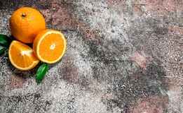 Kawałki świeże pomarańcze zdjęcia stock